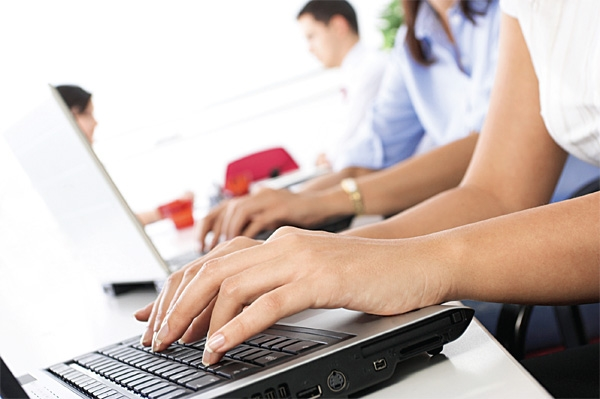 Bạn có thể tìm kiếm dịch vụ chuyển văn phòng qua mạng internet