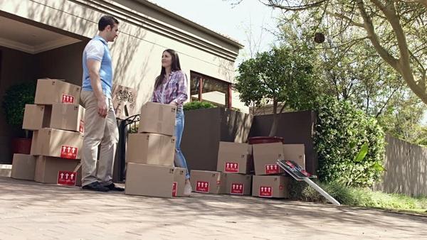 Tiết kiệm công sức khi vận chuyển hàng hóa khi dùng xe tải chở hàng