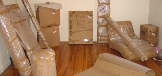 Đóng gói đồ đạc khi chuyển đi xa